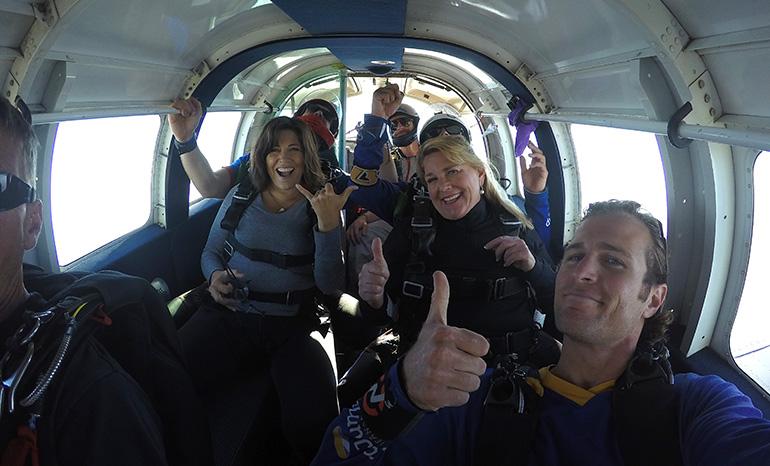 dr hoppe sugar jones skydive plane